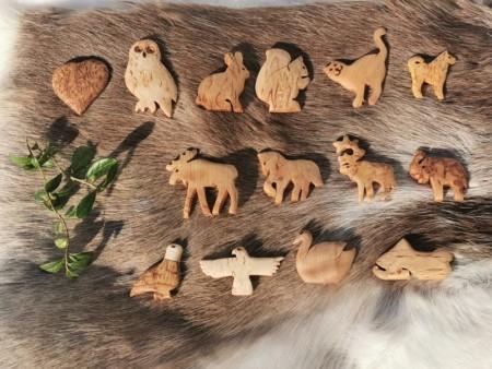 Trefigurer med magnet fra Wood Jewel
